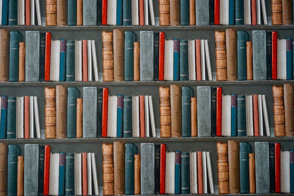book_bookcase_books_bookshelf_bookstore_education_facts_hardcover-1562569.jpg!d.jpeg